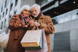 HieroCity auch für Senioren. Dein Erlebnis-Assistent. Die City App für Stadterlebnis Stadtmarketing Einzelhandel Gamification Events und Smart Shopping. Belebend durch den Shared Activity Builder (KI)